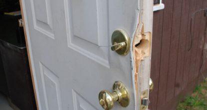 Как открыть дверь без ключа?
