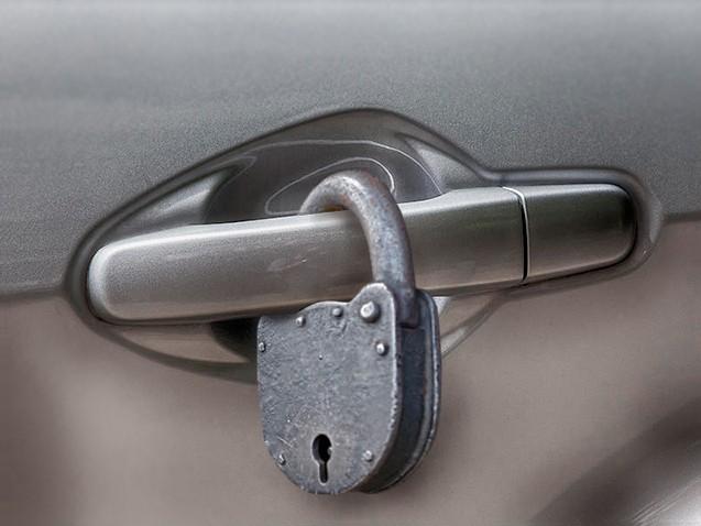 не открывается дверь авто в Могилеве
